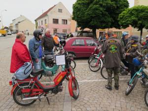 Propagační jízda mopedů